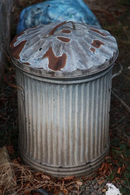 rusted rubbish bin